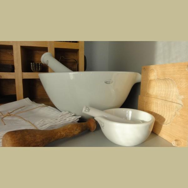 Brocante Keukenspullen : Keukenspullen > Brocante Haldenwanger porseleinen mortier, vijzel