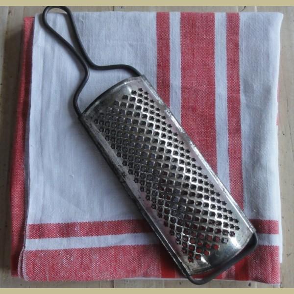 Brocante Keukenspullen : Keukenspullen > Oude brocante rasp
