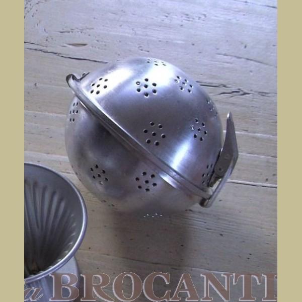 Brocante Keukenspullen : Keukenspullen > Brocante aluminium rijstbol