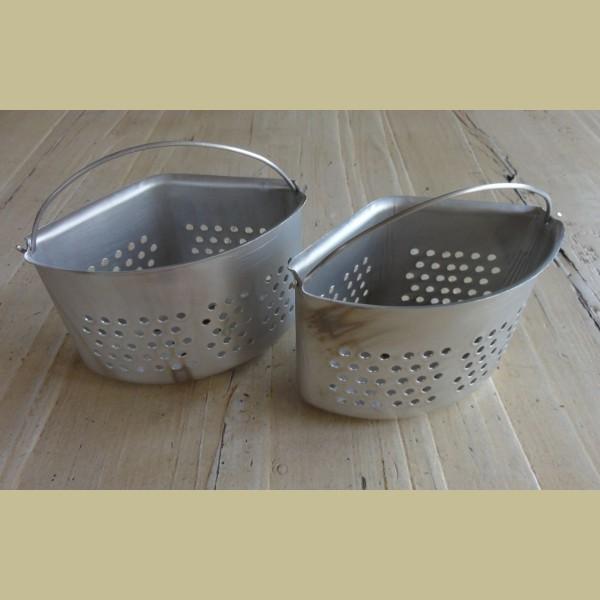 Brocante Keuken Textiel : Keukenspullen > Zinken brocante gootsteen bakje met gaatjes