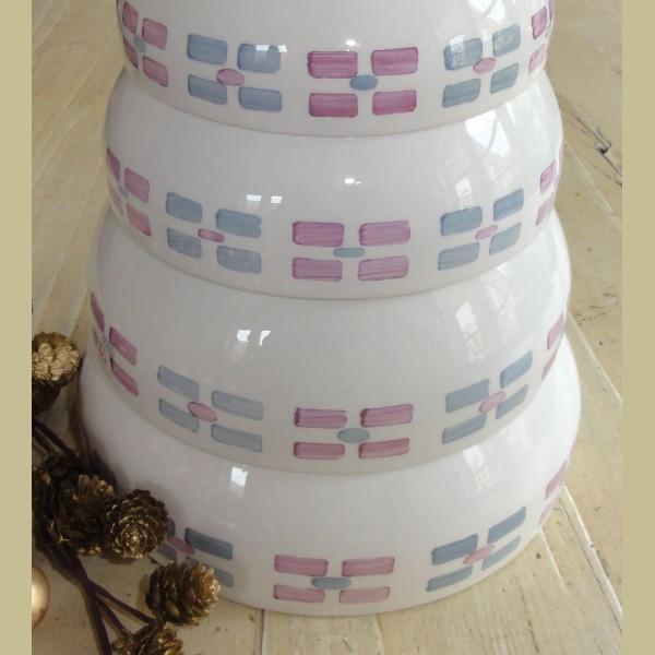 Brocante Keukenspullen : Keukenspullen > Brocante nest schalen met roze en grijsblauwe