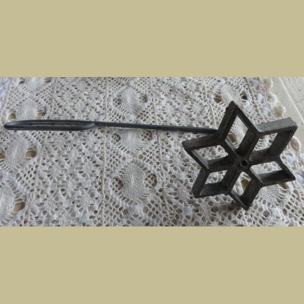 Brocante Keukenspullen : Keukenspullen > Brocante uitsteekvorm / taartversierder ster