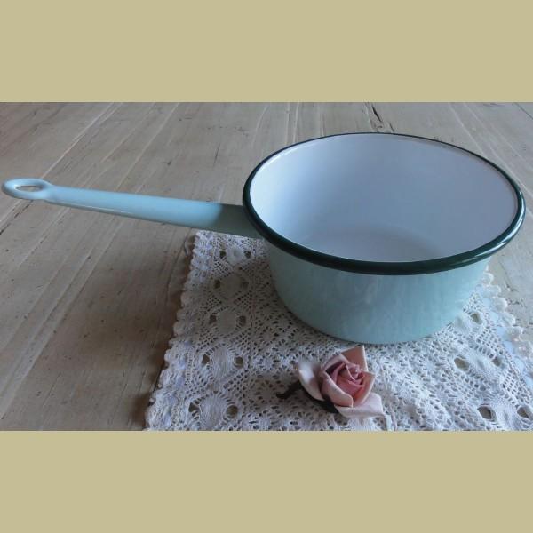 Brocante Keuken Textiel : Brocante mintgroene steelpan met donkergroen randje – La Brocanti