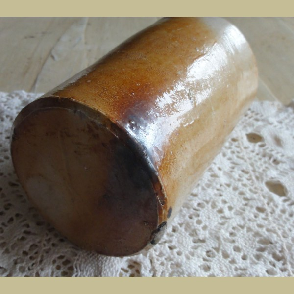 Mooie Keukenspullen : Oud gres flesje in mooie bruintinten – La Brocanti