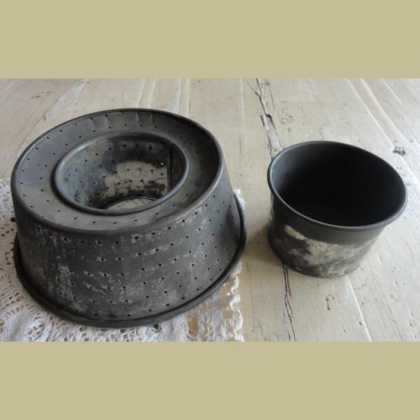 Retro Keukenspullen : Keukenspullen > Verweerde Duitse vintage bakvorm / rijst kookvorm