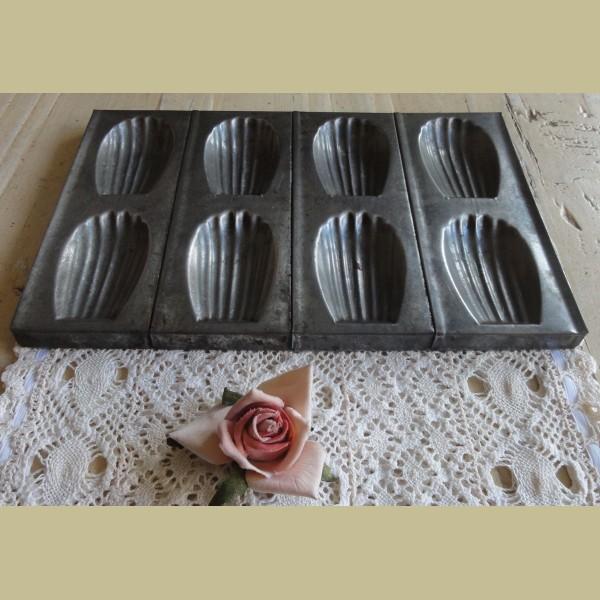 Brocante Keuken Textiel : Keukenspullen > Oude Franse brocante Madeleine bakvorm voor 8 stuks