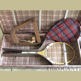 Oude tennis racket koffer met inhoud
