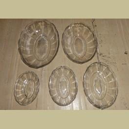 Nest van 5 glazen brocante schaaltjes
