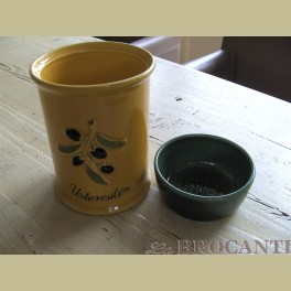 Franse landelijke gele REVOL lepelpot met olijven