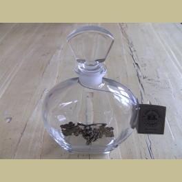 Landelijke kristallen karaf met tinnen ornament druiven