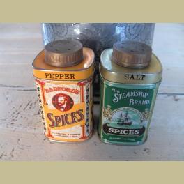 2 Vintage Engelse peper en zout blikjes