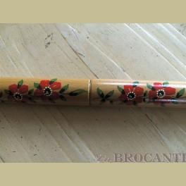 Nostalgische breinaalden koker met rode bloemen
