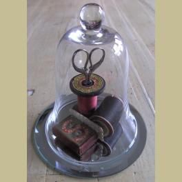 Mini glazen stolpje op spiegeltje