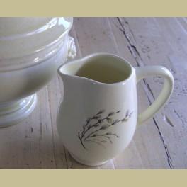 Frans melkkannetje met wilgenkatjes, Salins