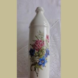 Franse kruik / fles met oor, bloemen