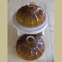2 Bruin glazen met wit opaline lampenkappen