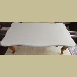 Frans brocante houten bedtafel, lessenaar met sierlijke pootjes