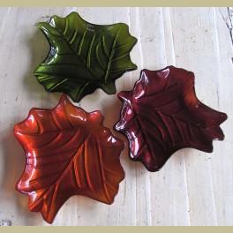 3 glazen schaaltjes herfst bladeren