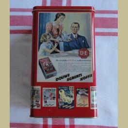 Douwe Egberts blik met nostalgische affiches