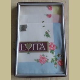 Doosje Evita zakdoekjes met roze roosjes