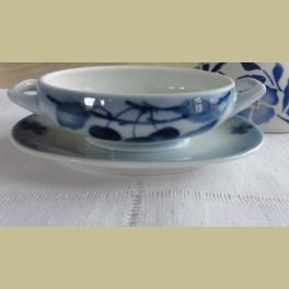 Brocante klein sauskommetje met blauwe kersen, spuitmotief