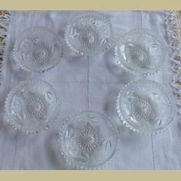6 Brocante glazen schaaltjes met geslepen bloemen