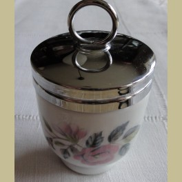 Engelse EGG CODDLER Royal Worchester , met roze roosjes