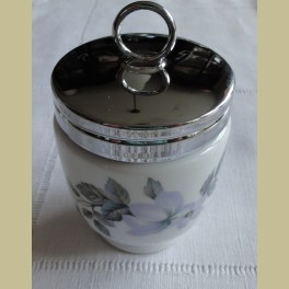 Engelse EGG CODDLER Royal Worchester , met roosjes en bloemen