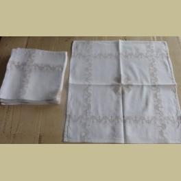 8 Brocante witte servetten met taupe bloemen