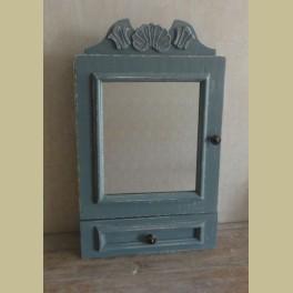 Gerestylde brocante hangkastje met spiegel, blauwgrijs