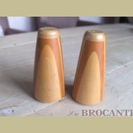 Retro houten handgemaakte peper en zoutstel uit New Zeeland