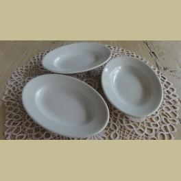 3 Kleine ovale off white schaaltjes, Petrus Regout