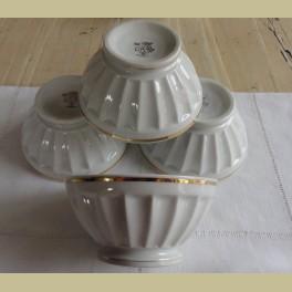 4 Franse wit porseleinen spoelkommen met gouden randjes