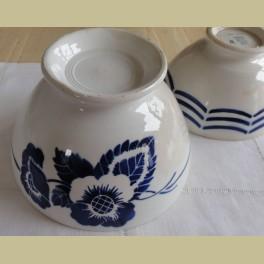 Zeer grote oude Franse brocante spoelkom met blauwe bloemen