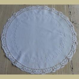 Wit Frans brocante geborduurd rond kleedje