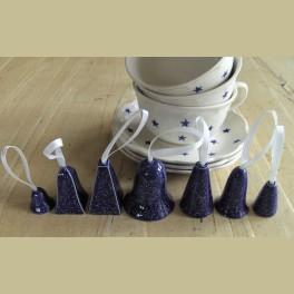7 blauwe keramieke kerstklokjes