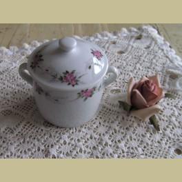 Frans brocante potje & deksel met kleine roze roosjes