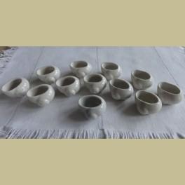 12 Franse porseleinen slakkenpotjes