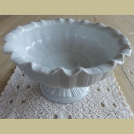 Wit porseleinen schaal op voet , Royal Tettau