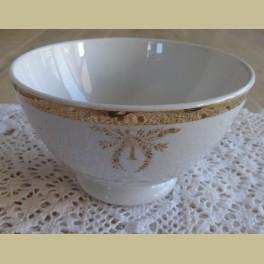Italiaans brocante spoelkommetje met gouden rand en decoratie