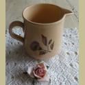 Brocante kan met spuitmotief bloemen