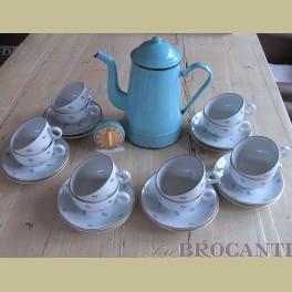Brocante 12 Mosa kop en schotels met blauwe bloemetjes