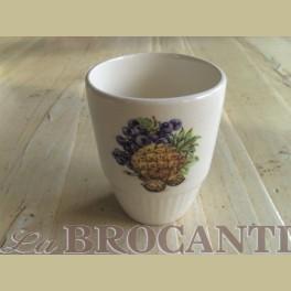 Brocante beker met fruit / noten afbeelding