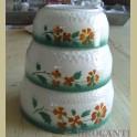 3 Brocante nestschalen met groen oranje / bruin spuitmotief