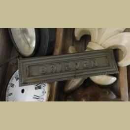 Oude brocante gietijzeren brievenbus