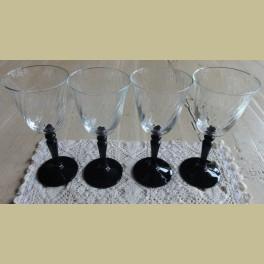 Franse wijnglazen met zwarte voet, Luminarc