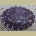 Brocante paarse melkglazen zeepdoos met duiven, Nina Ricci