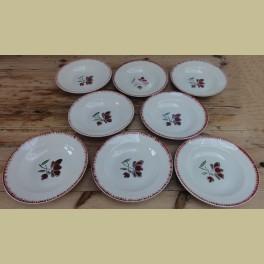 7 Franse soep borden , bordeaux rode bloem, Badonviller