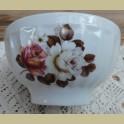 Franse porseleinen spoelkom met witte en roze roos