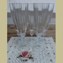 Champagne glas met mooie voet
